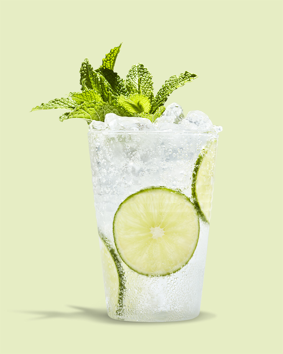 SMIRNOFF_WHITE_VODKA_LIME_SODA_0267-FINALREDUCEDSIZE